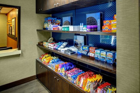 Hampton Inn and Suites North Fort Worth - Alliance Airport : Snack Shop