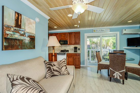 Inn on the Beach: New Sandpiper Suite