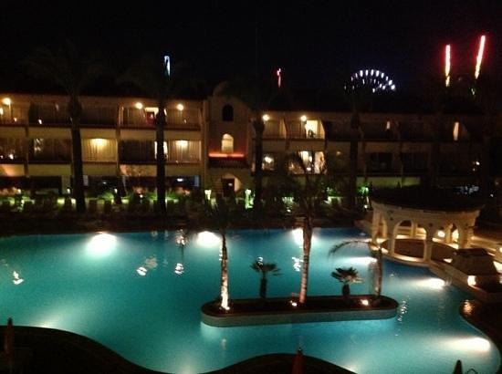 Napa Plaza Hotel: Från balkong med poolutsikt