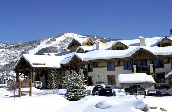 EagleRidge Lodge: Winter Exterior