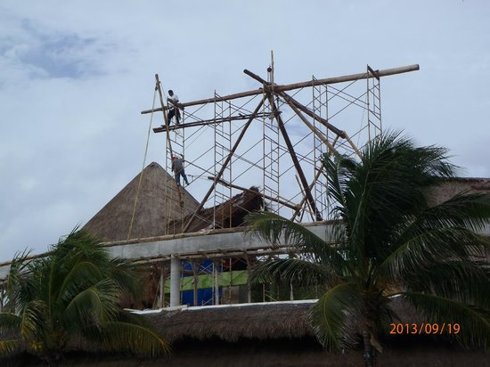 Catalonia Yucatan Beach: Roof work
