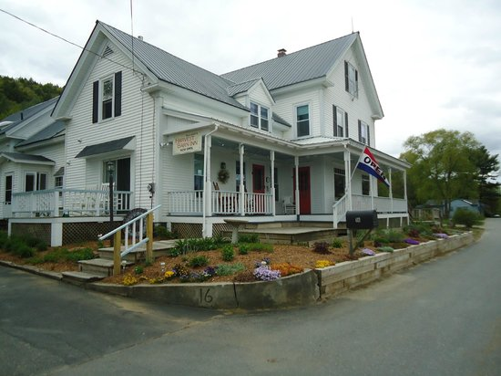 Halladay's Harvest Barn Inn: Beautiful Inn