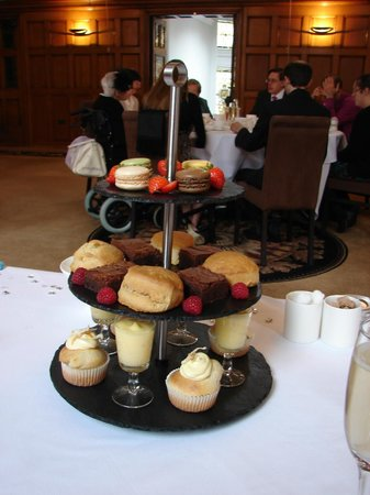 Cathedral Quarter Hotel: The afternoon tea