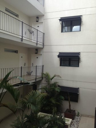 Nuss Buenos Aires: Courtyard inside the hotel