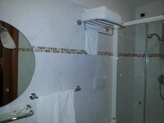Hotel Angelica: Ванна