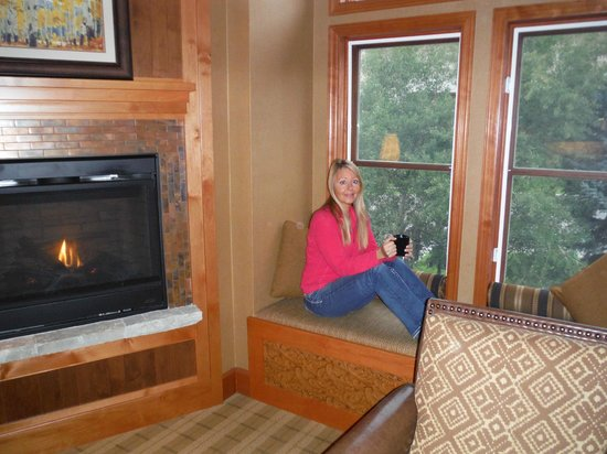 Wyoming Inn of Jackson Hole: enjoying morning cofee