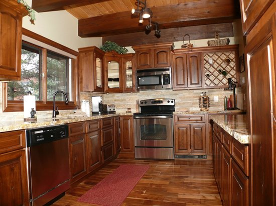 Waterford Townhomes: Kitchen