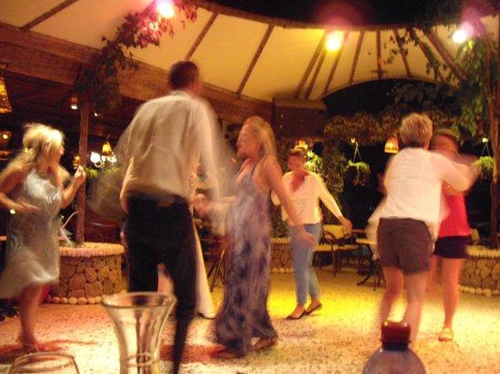 Molfetta Beach Hotel: Вечер в баре при отеле.