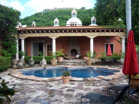 Hacienda De Los Santos: the pool in front of the San Felipe, Presidential Suite