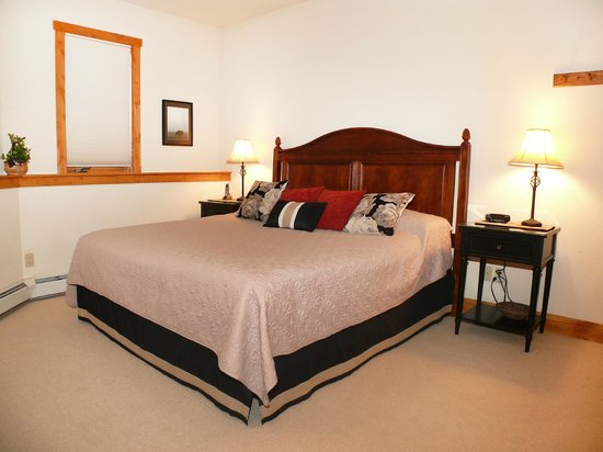Waterstone Townhomes : Bedroom