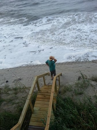 Alan Holden Vacations: Day we arrived, high tide?  umm yeah!
