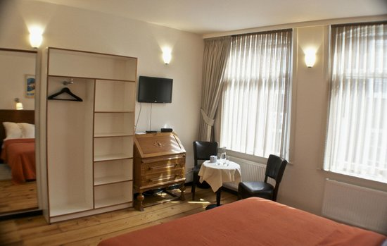 N29: South room