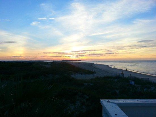 Alan Holden Vacations: Sunrise