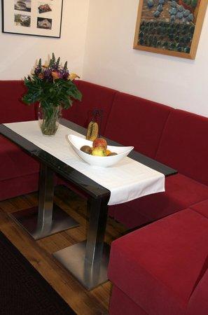 N29: Breakfast area