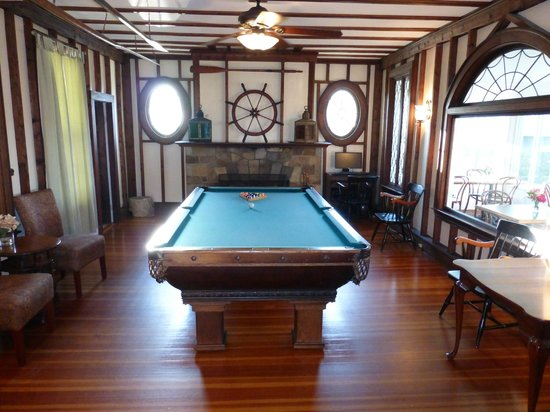 Ocean House Hotel at Bass Rocks : Stacey House pool room