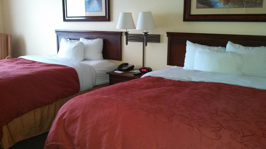 Country Inn & Suites By Carlson, Marquette: Comfortable beds