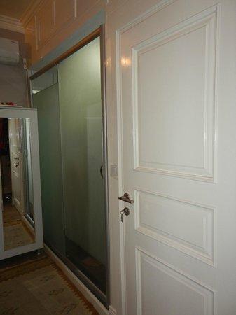 The Bridge Hotel: salle de bains