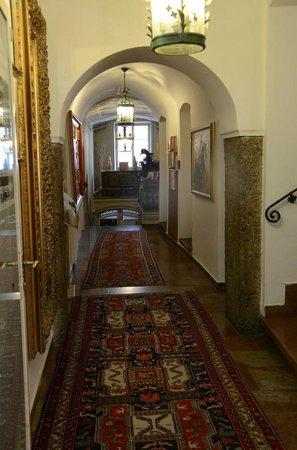 Altstadthotel Kasererbraeu: Hallway in the hotel