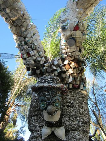 Tio's Tacos: Yard Sculpture