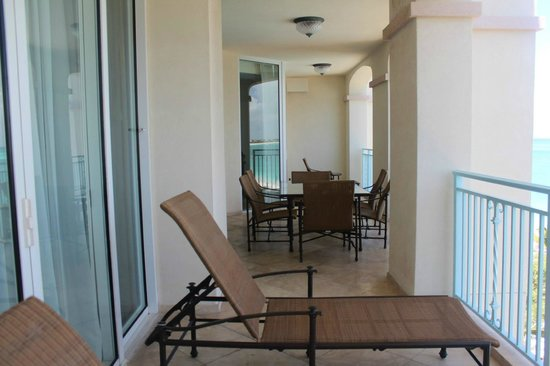 Seven Stars Resort & Spa: 40ft balcony 1 bed preimer suite
