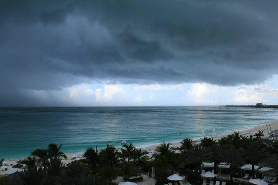 Seven Stars Resort & Spa: Storm rolling in