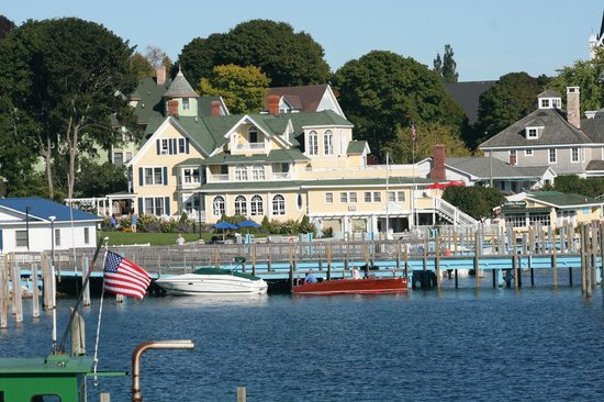 Bay View of Mackinac Bed & Breakfast : Photo from Pink Pony Outdoors dinning area