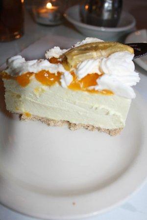 Andersen's Danish Bakery: Lemon Mousse Pie