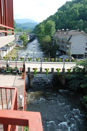 Baymont by Wyndham Gatlinburg on the River: The view from our balcony
