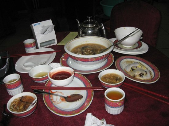 Restaurant Dragon Oriental : Sopa caliente, hot soup,chinesse rolls and sauce..rice rolls and vetables,sea food leafs soup