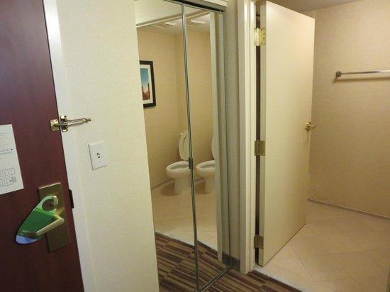 Courtyard Boston Woburn/Boston North : Bathroom