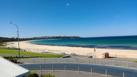 Mariners on Mollymook: looking up beach from balcony