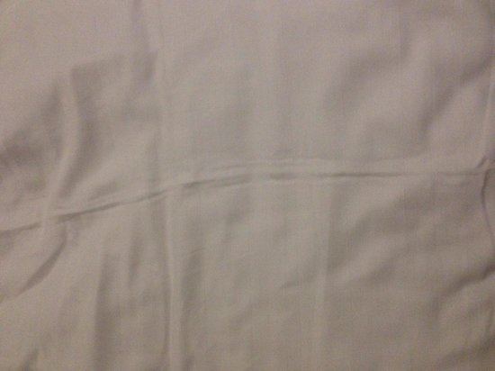 Saint Georges Hotel : Sheets not ironed