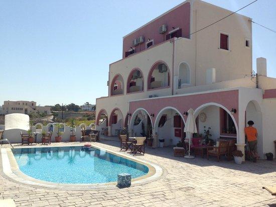 Koronios Villa : piscina de dia