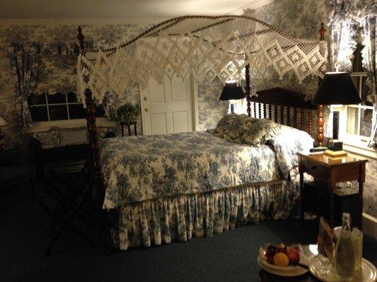 Asa Ransom House: Blue Willow Room