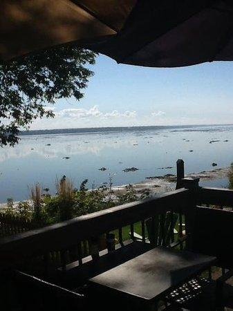 Cafe Resto sur le fleuve