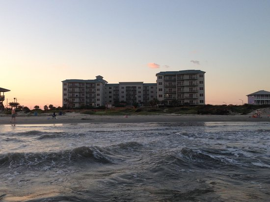 Holiday Inn Club Vacations Galveston Beach Resort: View of the property from the gulf