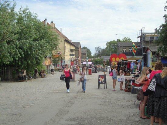 Pusher Street : Copenhagen - Christiania, strada centrale