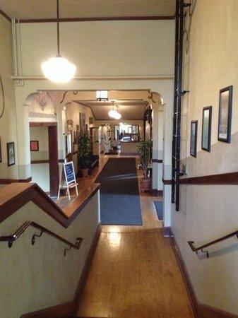 McMenamins Kennedy School: Hallway