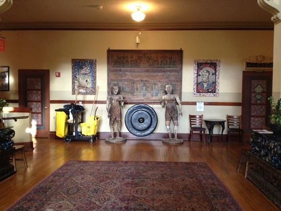 McMenamins Kennedy School: Front lobby (the janitor's cart isn't always there!)