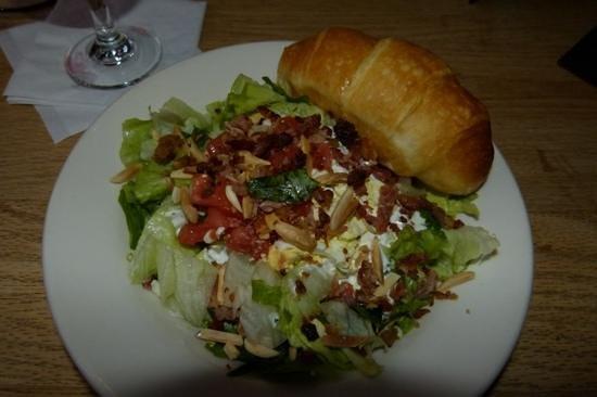 Carolina Roadhouse: salade accompagnant le plat principal