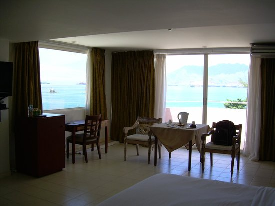 Wild Orchid Beach Resort Subic Bay: One of best views I've ever had