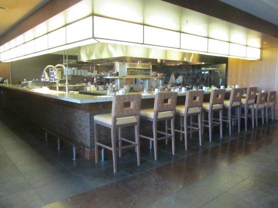 Allison Inn & Spa: Open kitchen dining area