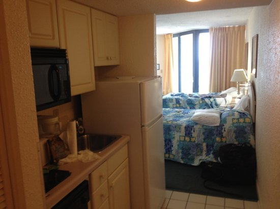 Sands Ocean Club Resort : Kitchenette