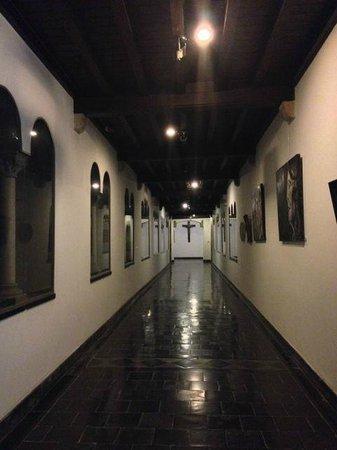 Abdij Rolduc: Hallway at night