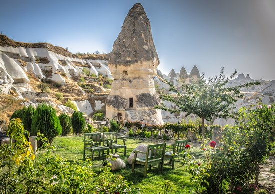 Goreme Suites: View of the private garden