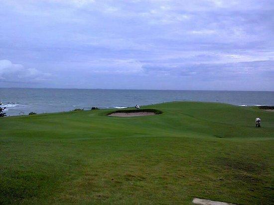 Ria Bintan Golf Club: Salah Satu Hole yang banyak disukai pengunjung
