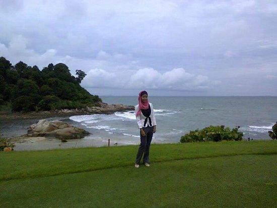 Ria Bintan Golf Club: Nampang dengan latar pantai