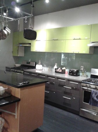 Hostelling International San Diego Downtown: Cozinha