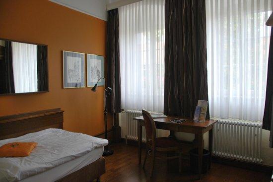 Hotel Domhof: room