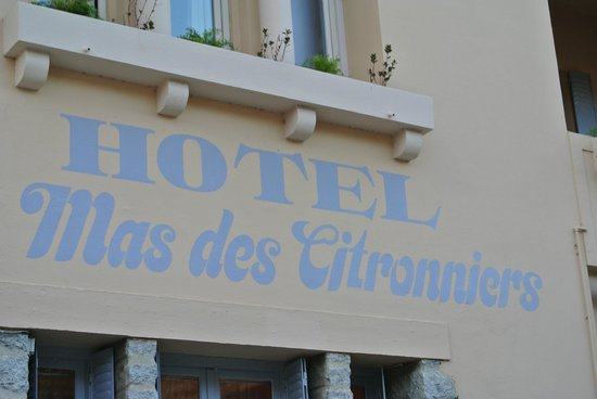 Hôtel Le Mas des Citronniers : Front of the Hotel